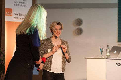 #agdjt13 – Moderatorin Peggy Stein und Caroline Drucker im Gespräch. |Foto: Dieter Düvelmeyer