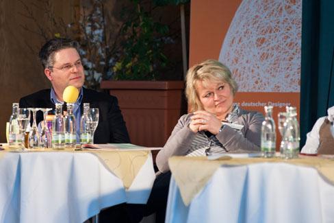 MV 2013 – Jan-Peter Wahlmann und Sabine Reister (AGD-Vorstand) auf dem Podium | Foto: Dieter Düvelmeyer