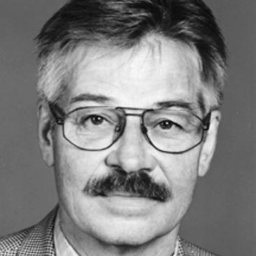 Mitbegründer der AGD 1976, 1983 - 1991 Vorstandsvorsitzender und Mitglied des Vorstandes