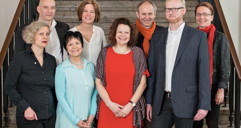 von links nach rechts: Juliane Wenzl (IO), Boris Kochan (tgm), Mara Michel (VDMD), Susanne Lengyel (VDID), Annette Schulte (Forum Typografie), Ralph Habich (Forum für Entwerfen), Christian Büning (BDG), Victoria Ringleb (AGD)