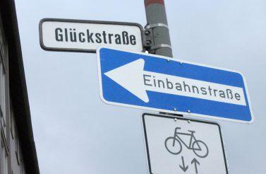 Glueckstrasse