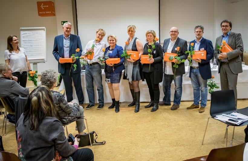 Der neu gewählte AGD-Vorstand v.l.n.r.: Stefan Strehl, José Planas, Sabine Reister, Peggy Stein, Beate Grübel, Herbert Popp, Jan-Peter Wahlmann, Torsten Meyer-Bogya