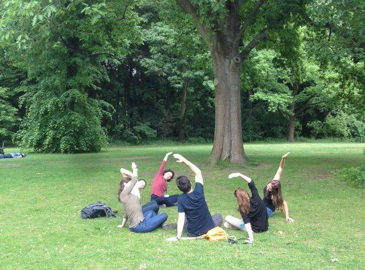 Entspannungsübungen im Tiergarten. © AGD